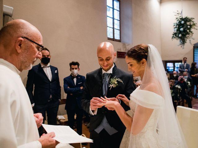 Il matrimonio di Lorenzo e Federica a Albavilla, Como 23