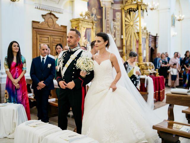 Il matrimonio di Valentina e Alessandro a Miglianico, Chieti 31