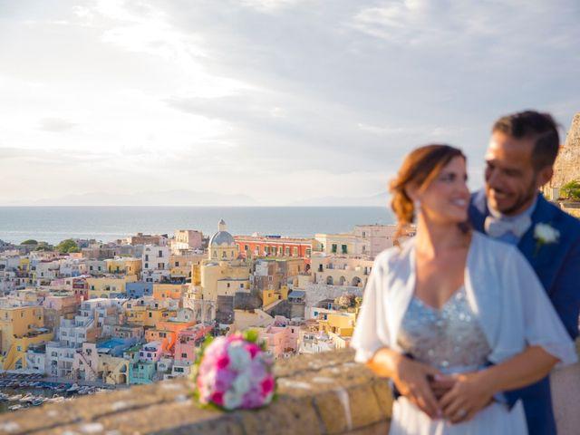 Il matrimonio di Claudio e Laura a Procida, Napoli 10
