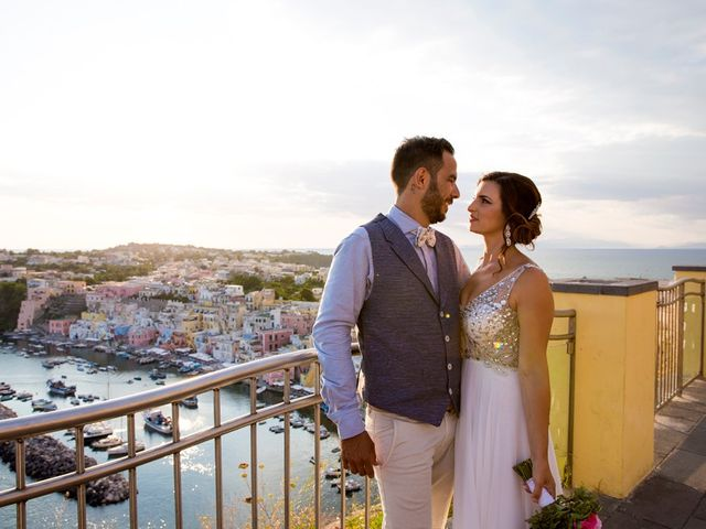 Il matrimonio di Claudio e Laura a Procida, Napoli 1