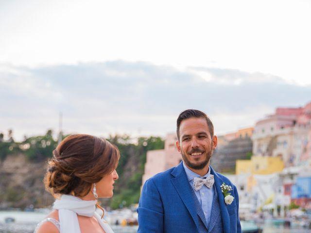 Il matrimonio di Claudio e Laura a Procida, Napoli 21