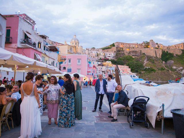 Il matrimonio di Claudio e Laura a Procida, Napoli 26