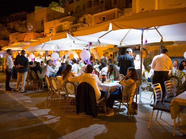 Il matrimonio di Claudio e Laura a Procida, Napoli 28