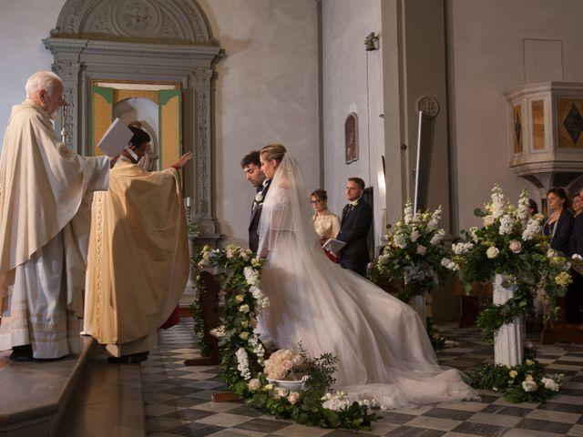 Il matrimonio di Mirco e Elena a Larciano, Pistoia 17