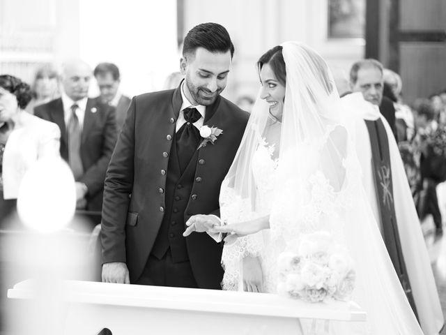 Il matrimonio di Angela e Gennaro a Frattamaggiore, Napoli 30