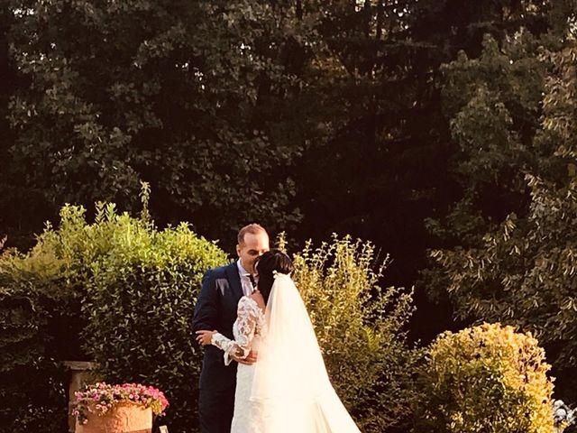 Il matrimonio di Simone e Yadira a Monvalle, Varese 17