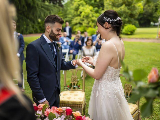Il matrimonio di Marco e Laura a Erba, Como 28