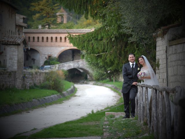 Il matrimonio di Daniele e Valantina a Gubbio, Perugia 3