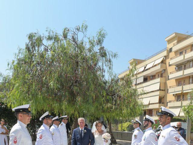 Il matrimonio di Giovanni e Serena a Manfredonia, Foggia 16