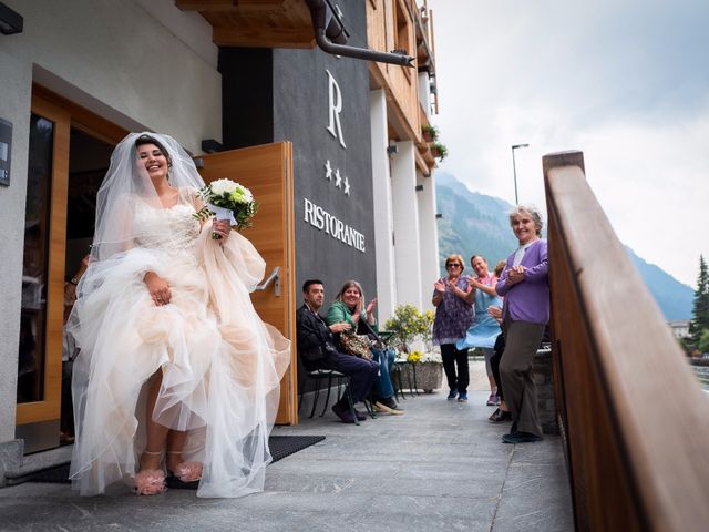 Il matrimonio di Andrea e Valentina a Gressoney-Saint-Jean, Aosta 24