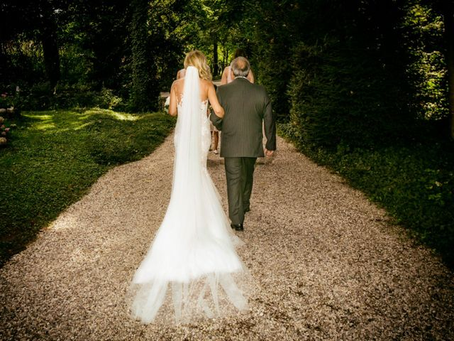 Il matrimonio di Lorenzo e Elisa a Porto Mantovano, Mantova 27