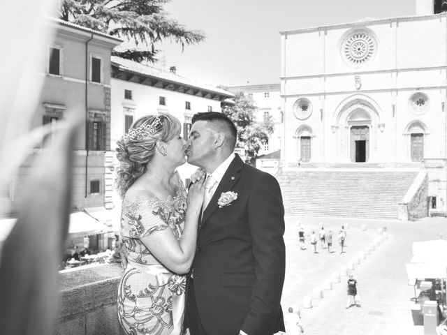 Il matrimonio di Moreno e Inna a Todi, Perugia 42