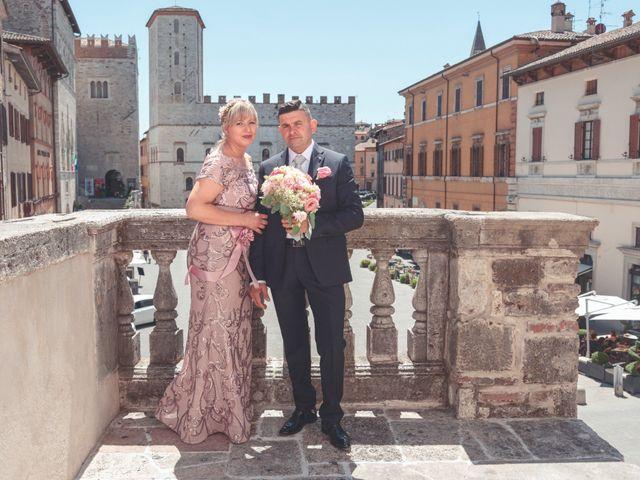 Il matrimonio di Moreno e Inna a Todi, Perugia 48
