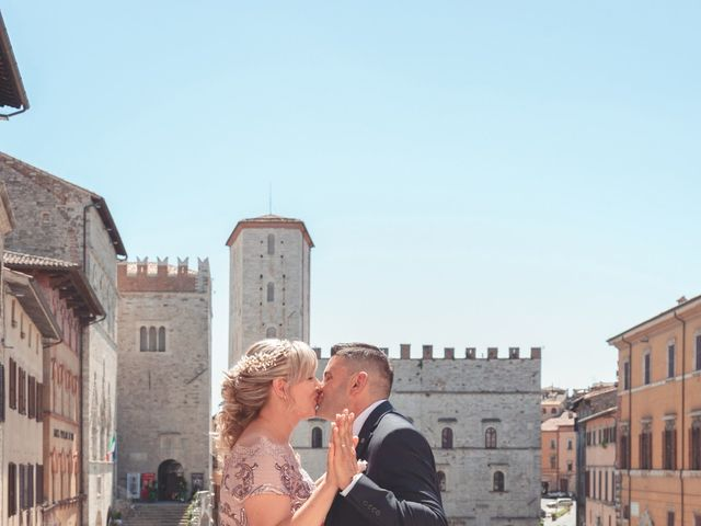 Il matrimonio di Moreno e Inna a Todi, Perugia 49