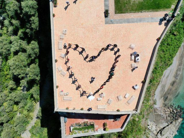 Il matrimonio di Mariano e Veronica a Torre del Greco, Napoli 4