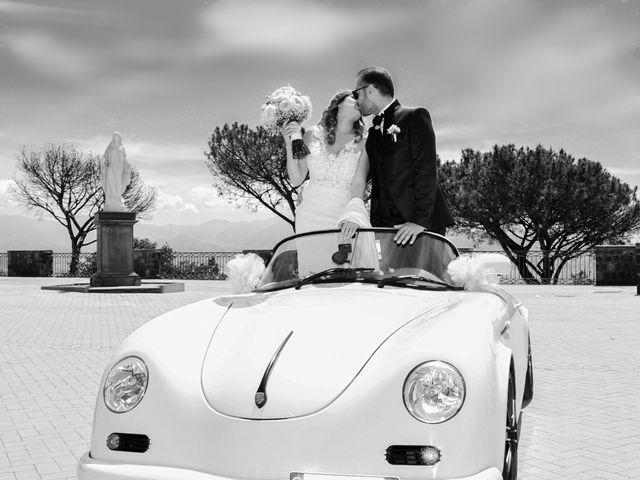 Il matrimonio di Mariano e Veronica a Torre del Greco, Napoli 9