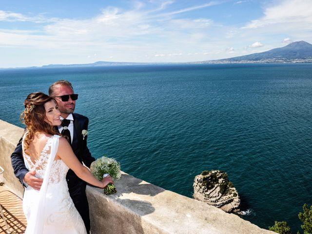 Il matrimonio di Mariano e Veronica a Torre del Greco, Napoli 16