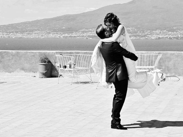 Il matrimonio di Mariano e Veronica a Torre del Greco, Napoli 21