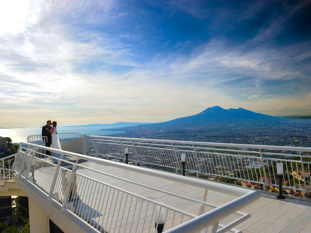 Il matrimonio di Mariano e Veronica a Torre del Greco, Napoli 27