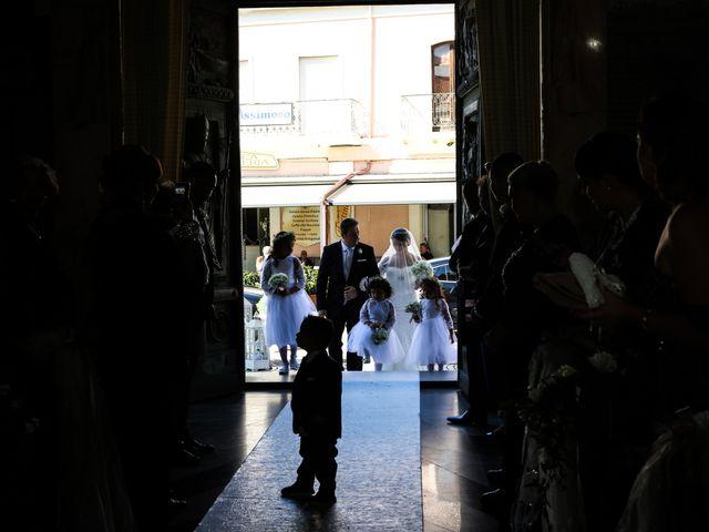 Il matrimonio di Nicodemo e Giusy a Cirò Marina, Crotone 22
