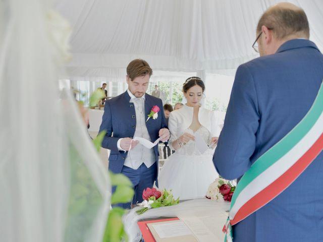 Il matrimonio di Claudio e Valentina a Erba, Como 35