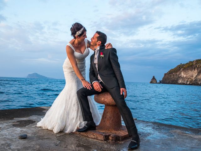 Il matrimonio di Nino e Lisa a Lipari, Messina 11