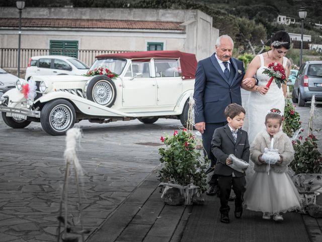 Il matrimonio di Nino e Lisa a Lipari, Messina 14