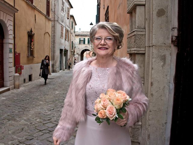 Il matrimonio di Nevio e Gloriana a San Marcello, Ancona 5