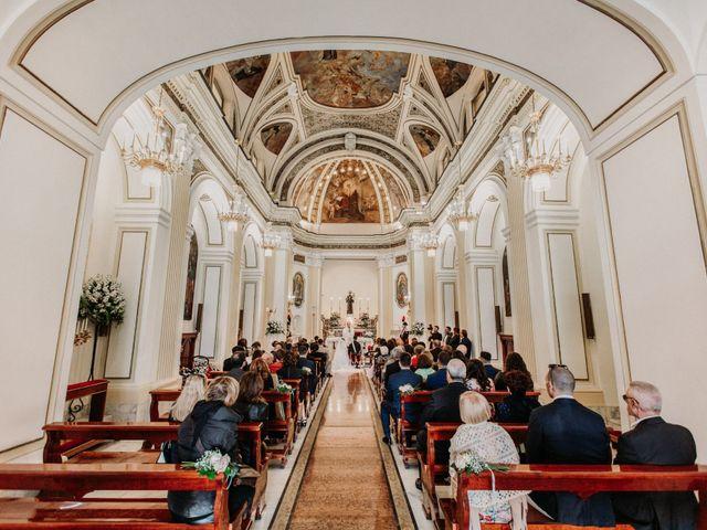 Il matrimonio di Raffaele e Valentina a Bacoli, Napoli 14