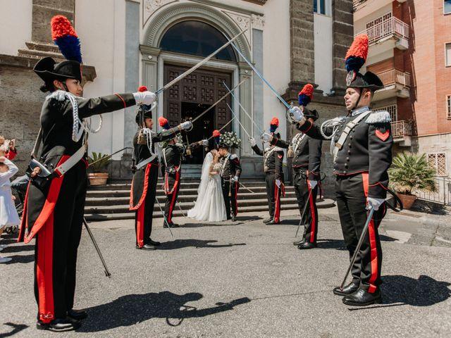 Il matrimonio di Raffaele e Valentina a Bacoli, Napoli 20