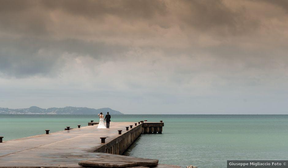 Il matrimonio di Pasquale e Valeria a Bacoli, Napoli