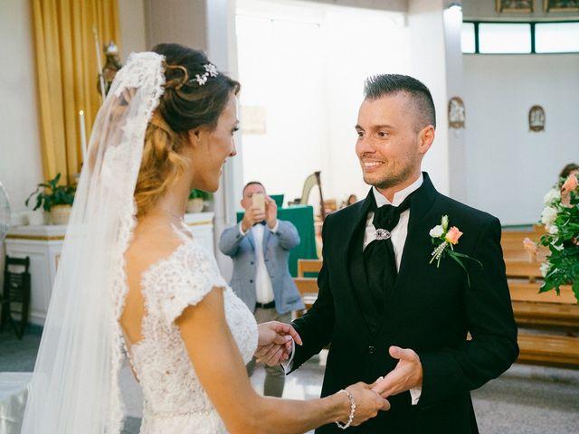 Il matrimonio di Andrea e Martina a Città Sant'Angelo, Pescara 13