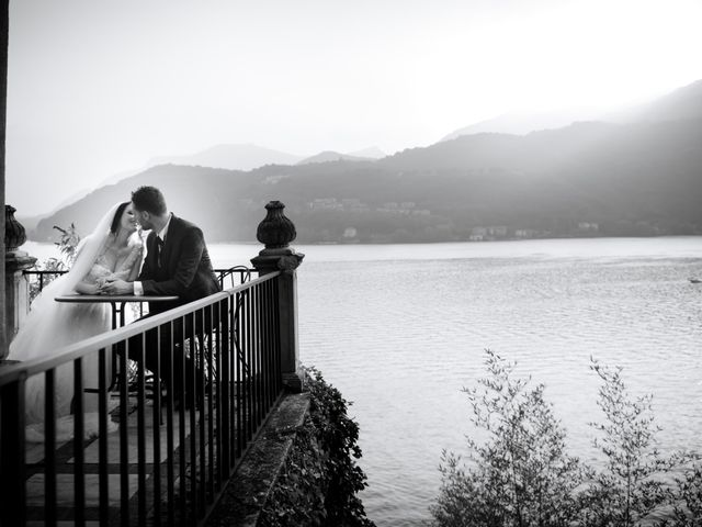 Il matrimonio di Davide e Isabella a Malnate, Varese 15