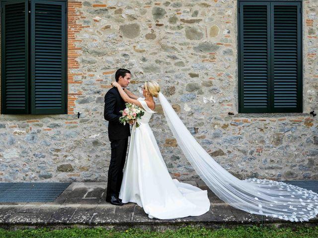 Il matrimonio di Carl e Lina a Barga, Lucca 26