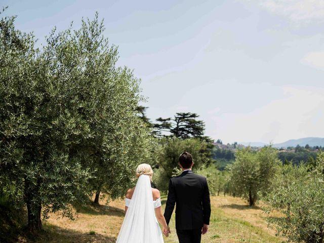 Il matrimonio di Carl e Lina a Barga, Lucca 27
