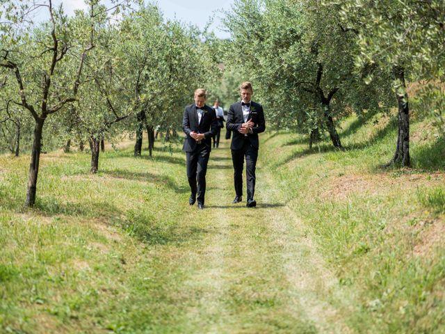 Il matrimonio di Carl e Lina a Barga, Lucca 36