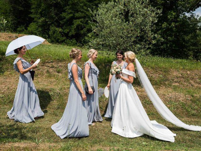 Il matrimonio di Carl e Lina a Barga, Lucca 39