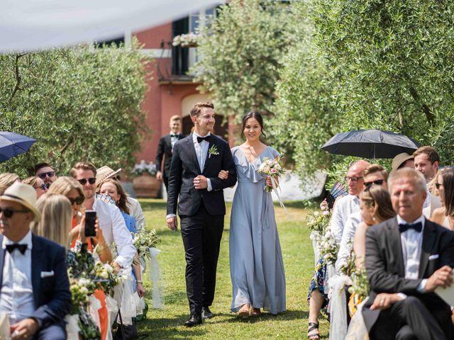 Il matrimonio di Carl e Lina a Barga, Lucca 41