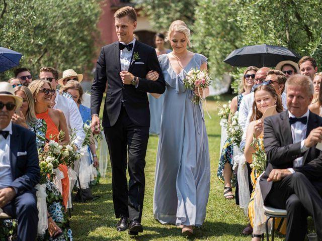 Il matrimonio di Carl e Lina a Barga, Lucca 43
