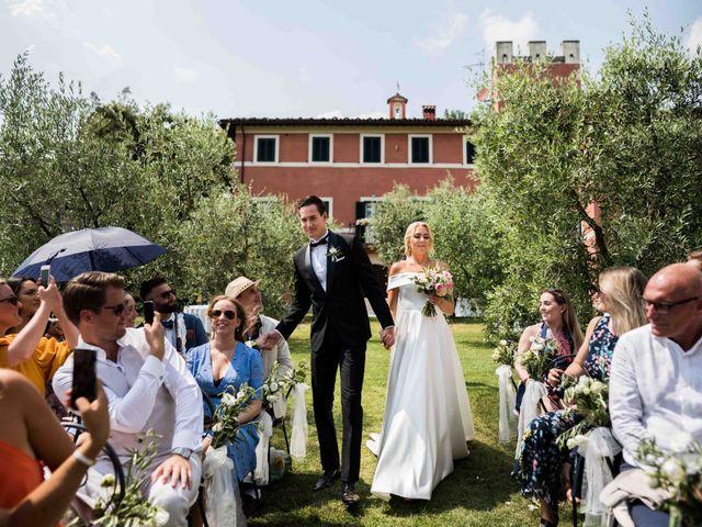 Il matrimonio di Carl e Lina a Barga, Lucca 47