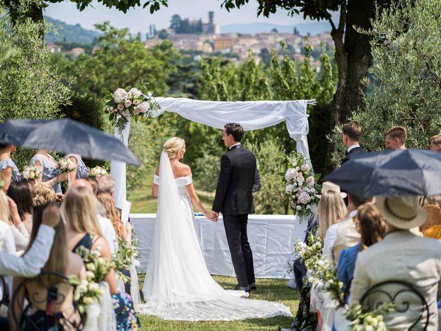 Il matrimonio di Carl e Lina a Barga, Lucca 49