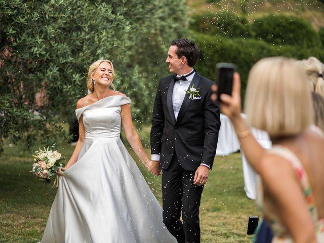 Il matrimonio di Carl e Lina a Barga, Lucca 74