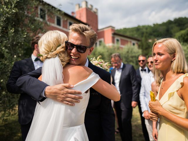 Il matrimonio di Carl e Lina a Barga, Lucca 82