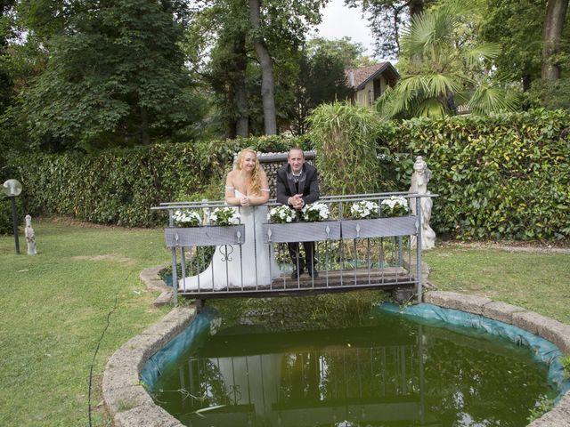 Il matrimonio di Enzo e Anna a Cogliate, Monza e Brianza 22