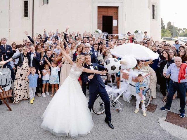 Il matrimonio di Valentina e Daniele a Ancona, Ancona 32