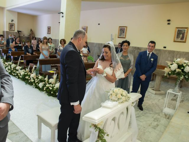 Il matrimonio di Angela e Raffaele a Capaccio Paestum, Salerno 17