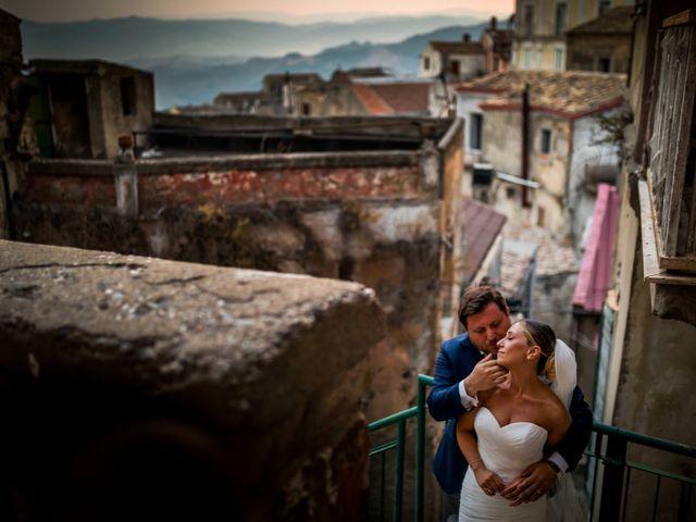 Il matrimonio di Mario e Isabella a Cirò Marina, Crotone 37