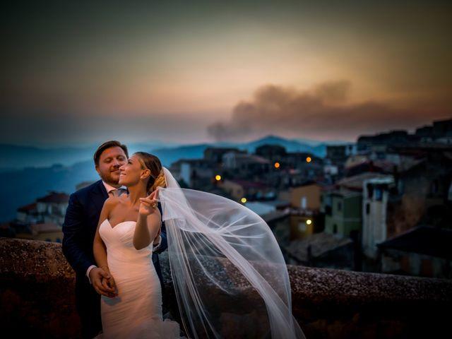 Il matrimonio di Mario e Isabella a Cirò Marina, Crotone 1