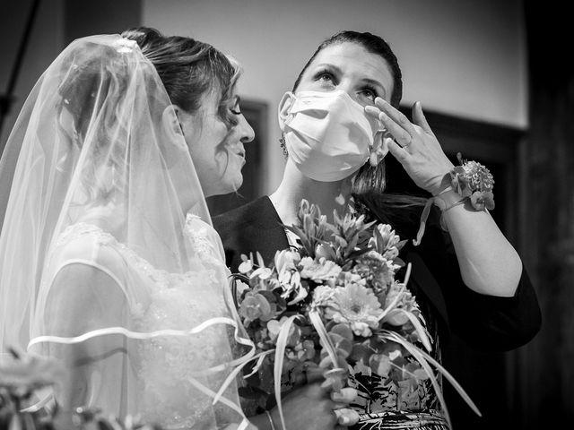 Il matrimonio di Luca e Mara a Cerro Maggiore, Milano 15