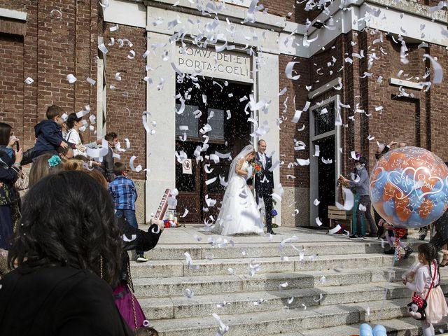 Il matrimonio di Luca e Mara a Cerro Maggiore, Milano 16